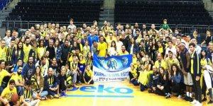 Taraftarlardan Fenerbahçe Beko'ya Moral Ziyareti