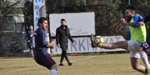 Şuhut Belediye Hisarspor Hazırlık Maçında Salar Belediyespor'u 3 Golle Geçti