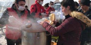 Kızılay'dan Van'daki Depremzedelere Üç Öğün Sıcak Yemek