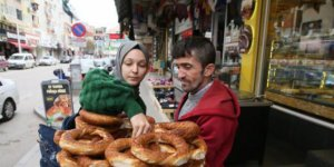 Simitçi 1 Günlük Gelirini Van'daki Depremzedelere Bağışladı