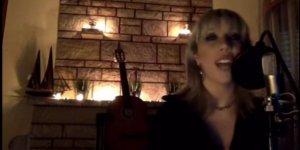 Şarkıcı Doğanay Tüzüngüç' dan corona virüsü şarkısı