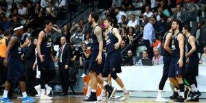 Fenerbahçe Beko'da 4 kişide koronavirüs testi pozitif çıktı