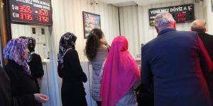 Bursalılar Döviz Bozdurmak İçin Kapalıçarşı'ya Akın Etti