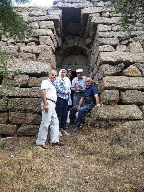 """Afyonkarahisar Kent Konseyi """"Dede İni""""nin Restore Edilip Turizme Kazandırılmasını İstiyor"""