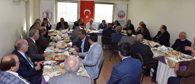 """Başkan Sekmen: """"Esnaf Erzurum'un Can Damarıdır"""""""