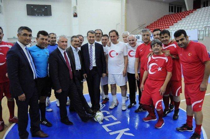 Amatör Spor Haftası'nda Dostluk Maçı Düzenlendi
