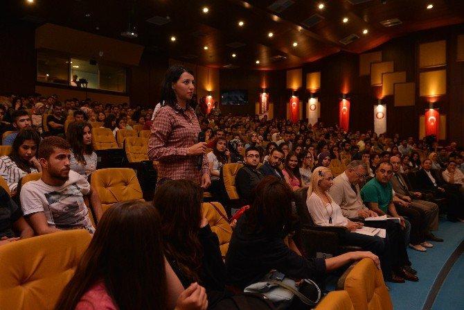 Rektör Prof. Dr. Kaya Öğrencilerle Buluştu