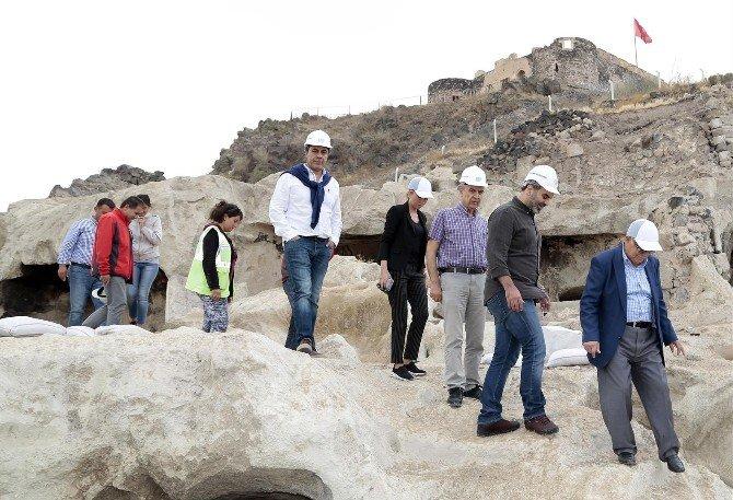 Turizmciler Dünyanın En Büyük Yer Altı Şehrini Gezdi