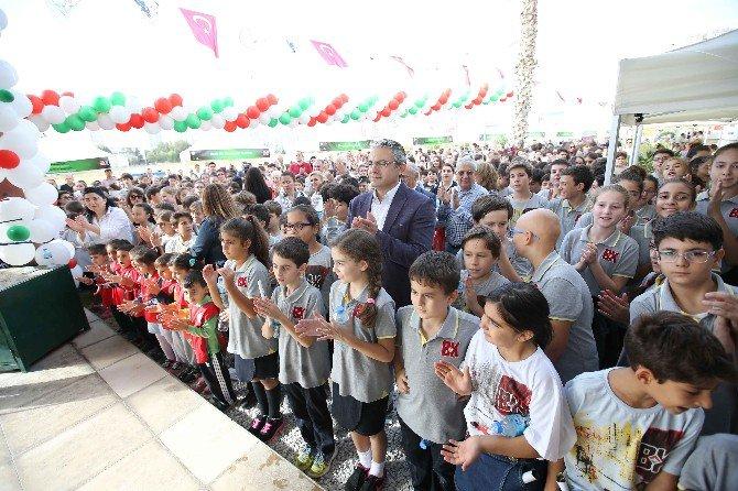 Karşıyaka'da Bilim Dolu Şenlik