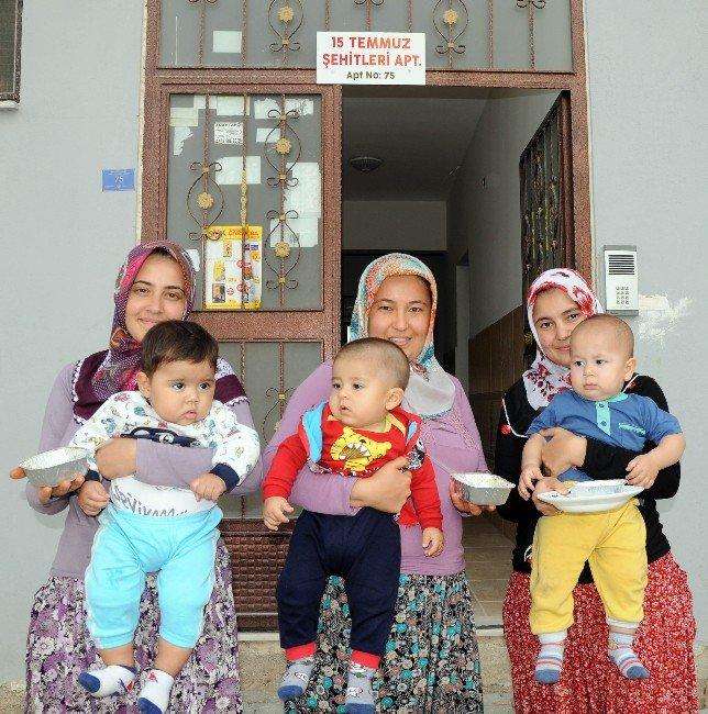 15 Temmuz Şehitleri Apartmanı'nda Aşure Etkinliği