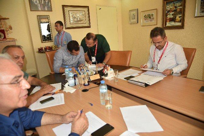 Alanya'da 16 İşyeri İhalesinden Belediye'ye 900 Bin 760 Tl Gelir