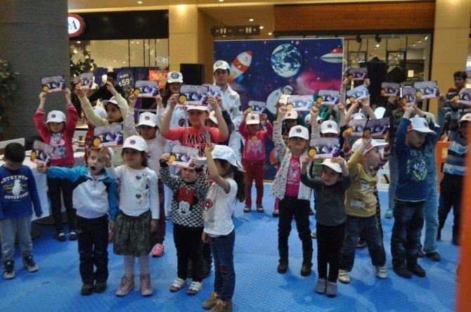 Çocuklar İzmir Opitimum'da Uzay Atölyesinde Buluşuyor