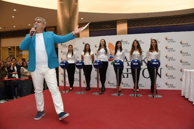 Park Afyon'da Mercedes Cla 180 Mehmet Ali Erbil İle Sahibini Buldu