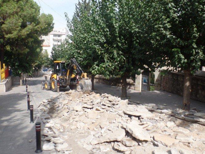 Saruhan Mahallesinde Yollar Yenileniyor