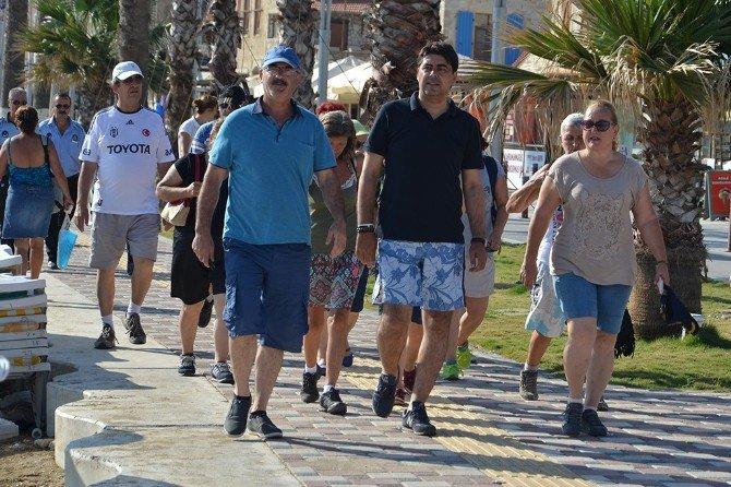 Foça'da Sağlıklı Yaşam Yürüyüşü
