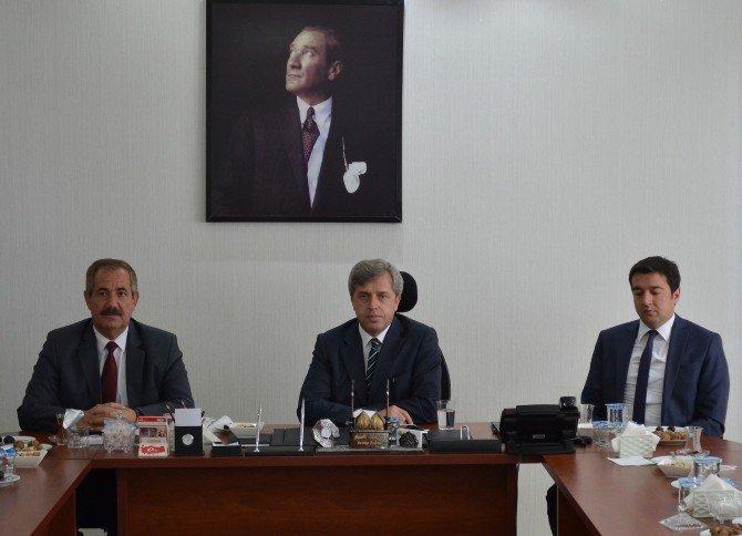 Vali Ahmet Çınar Adilcevaz'da İncelemelerde Bulundu