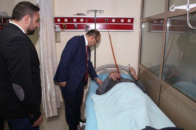 Vali İsmail Ustaoğlu Hastanede İncelemelerde Bulundu