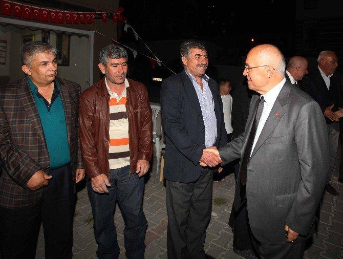 Başkan Yaşar, Çamlıderelileri Ziyaret Etti