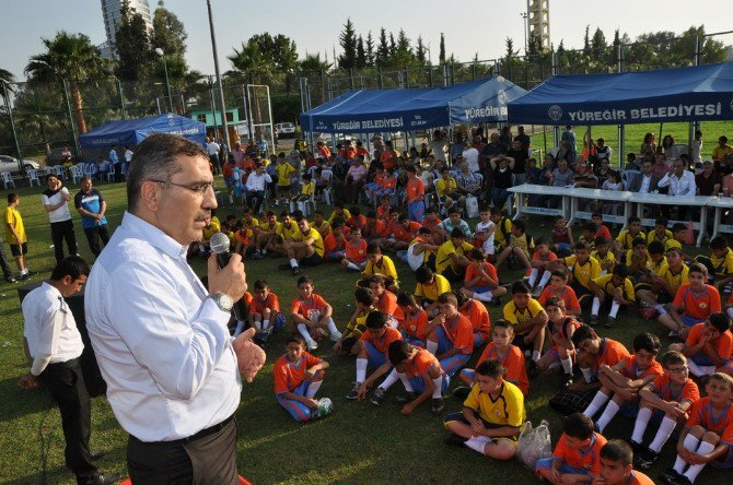 Yüreğir Belediyesi Takımlarında Lisanslı Futbolcu Sayısı 400'ü Buldu