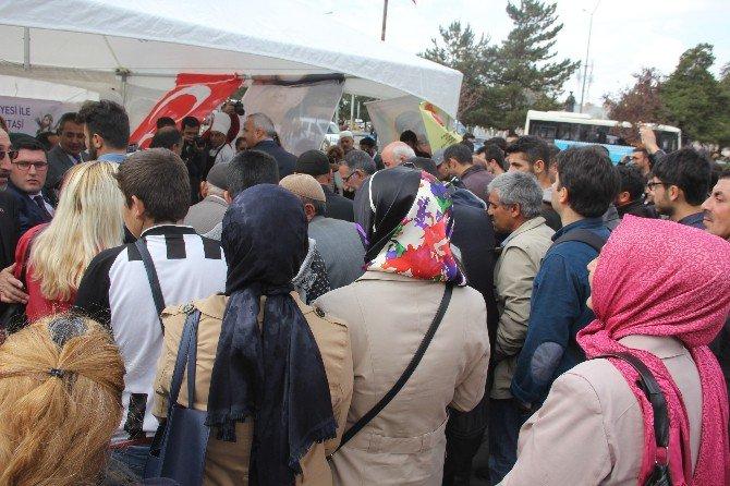 Erzurum'da Erenler Alevi Ve Bektaşi Derneği'nce Aşure Dağıtıldı