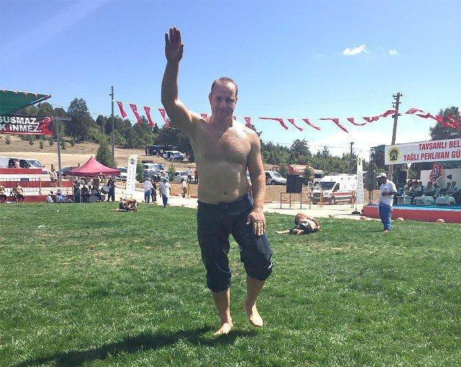 Buski'nin Şampiyon Güreşçisinden Büyük Başarı