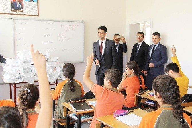Çemişgezek Kaymakamlığından Öğrencilere Destek