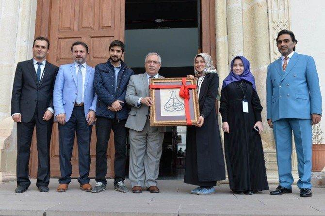 Kütahya'da 'İslam'ı Anlama Ve Anlatma' Konulu Sempozyum