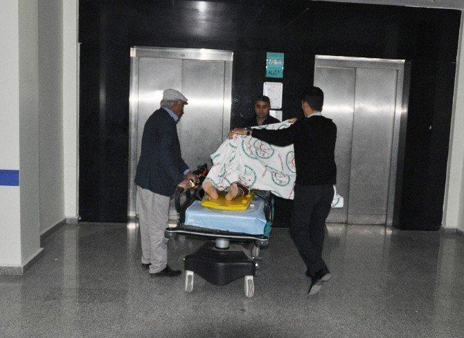 Öğretmenleri Taşıyan Servis Aracı Kaza Yaptı: 9 Yaralı