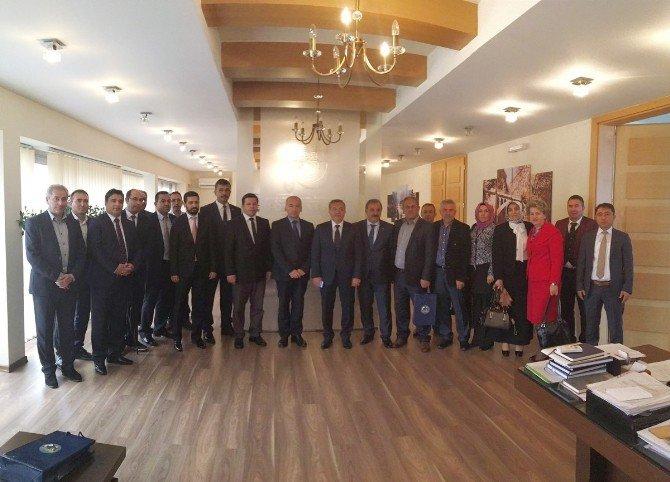 Pursaklar, Milli Şair Akif'in Memleketi İpek Belediyesi İle Kardeş Oluyor