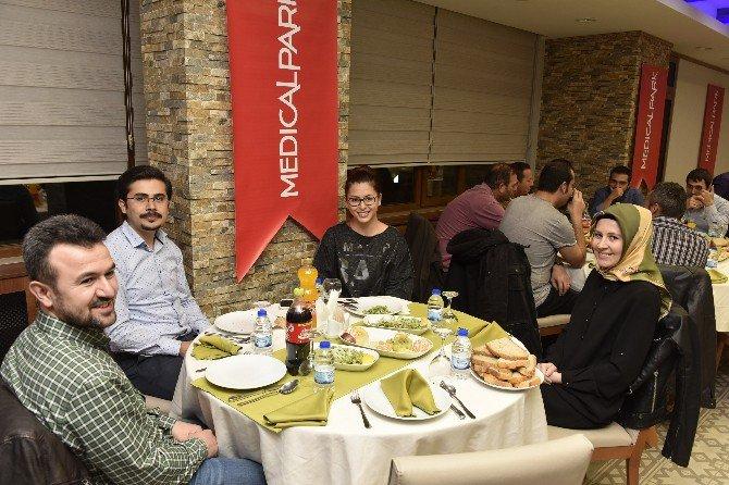 Medical Park Gümüşhane'de Doktorlarla Tanışma Yemeği Düzenledi