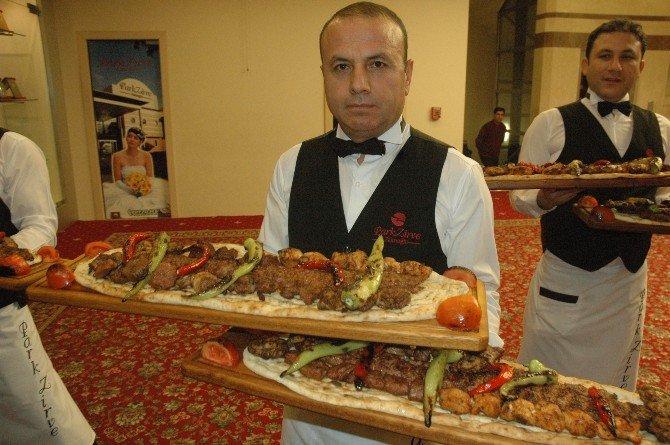 Bakan Çelik'ten Avrupa Birliği Büyükelçilerine Adana Kebabı