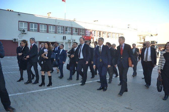 Ab Büyükelçileri Suriyeli Öğrencileri Ziyaret Etti