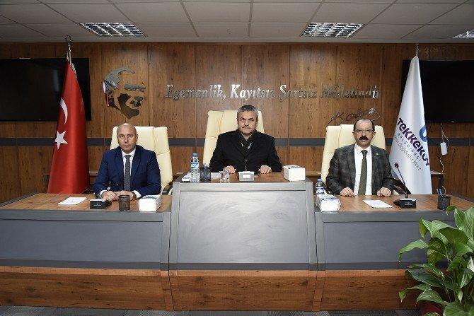Ak Parti Heyeti Tekkeköy Belediye Binasını Gezdi
