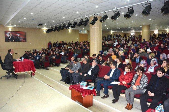 Bingöl Üniversitesi Rektörü Prof. Dr. İbrahim Çapak: