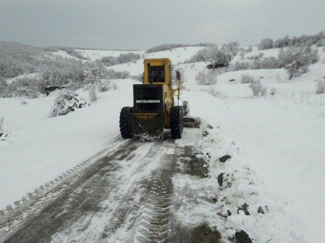 Kavak'ta Kardan Kapanan Yollar Açılıyor