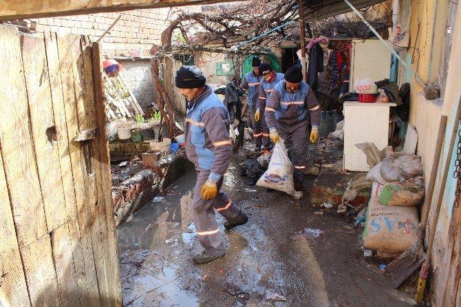 Pamukkale Belediyesi'nden Çöp Ev Seferberliği