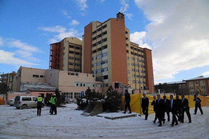 Vali Gül, Numune Hastanesi'ndeki Yıkım Çalışmalarını İnceledi
