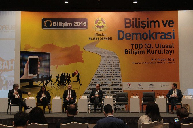 Batuhan Yaşar 15 Temmuz Gecesi Cumhurbaşkanı Erdoğan'ı Nasıl Yayına Aldıklarını Anlattı