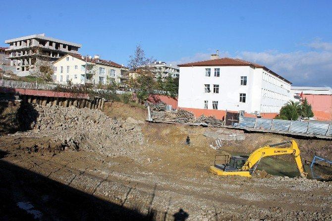 Yalova'da Okul İnşaatında Heyelan