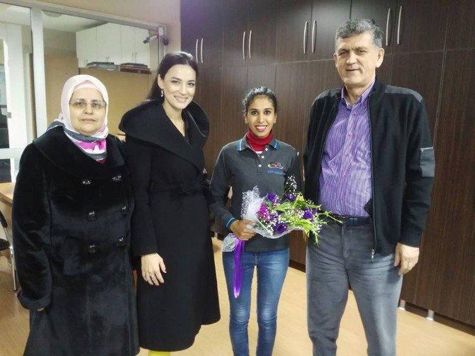 Ak Kadınlar Sanayide Kadın Esnafları Ziyaret Etti