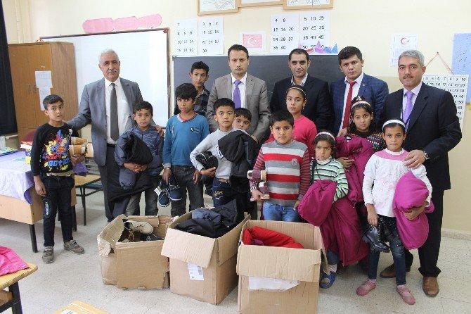 Suriyeli Öğrencilere Giyim Yardımı Yapıldı