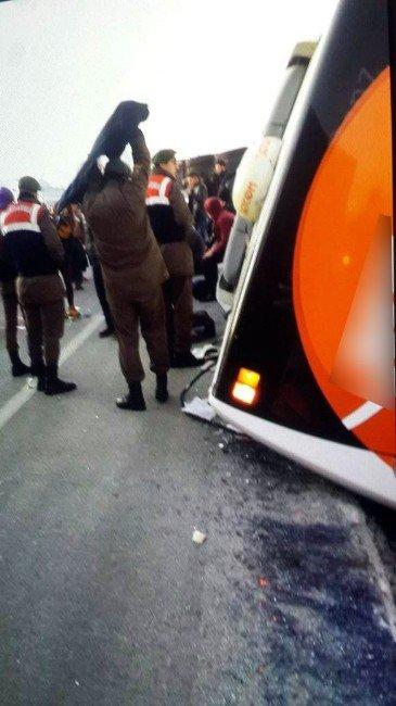 Afyonkarahisar'da Otobüs Kazası: 35 Yaralı
