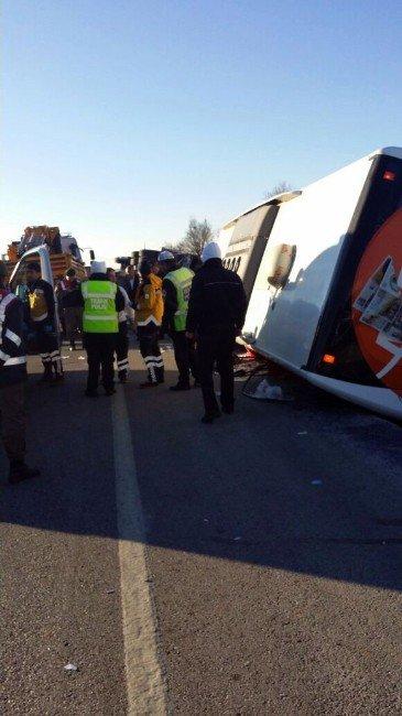 Afyonkarahisar'da Otobüs Kazası: 2'si Ağır, 35 Yaralı (2)