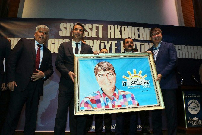 Menderes Türel, Siyaset Akademisinin Finalini Yaptı