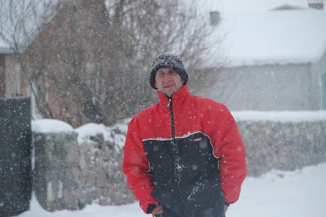 Ardahan'da Soğuk Hava Ve Kar Yağışı