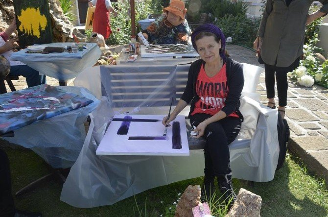 Ayvalıklı Ressam Emine Alışık Eşkişehir İçin Hazırlanıyor
