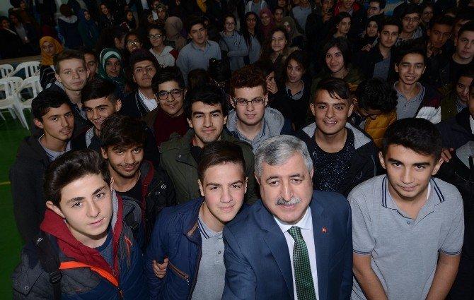 Belediye Başkanı Polat Öğrencilerle Buluştu