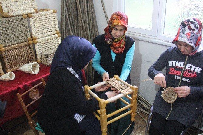 Rize'de Sepet Örücülüğü Kursu İlgi Görüyor
