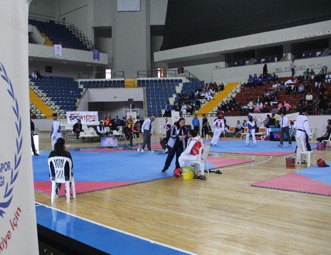 Kulüpler Türkiye Tekvando Şampiyonası Mersin'de Başladı