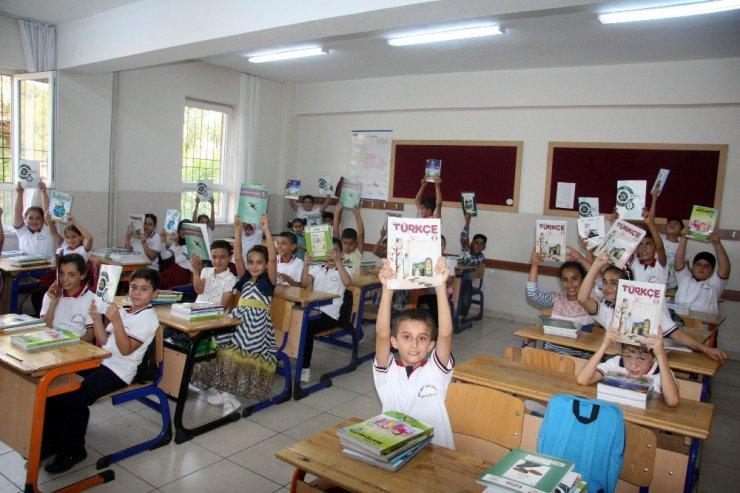 52 bin Türk ve Suriyeli öğrenci ders başı yaptı